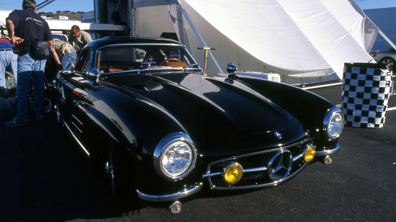 THE LEGEND OF VINTAGE CAR ~Featuring Ferrari~