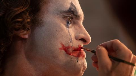 映画ジョーカーは感想や評価が分かれる作品、現在の格差社会を象徴しているようだが