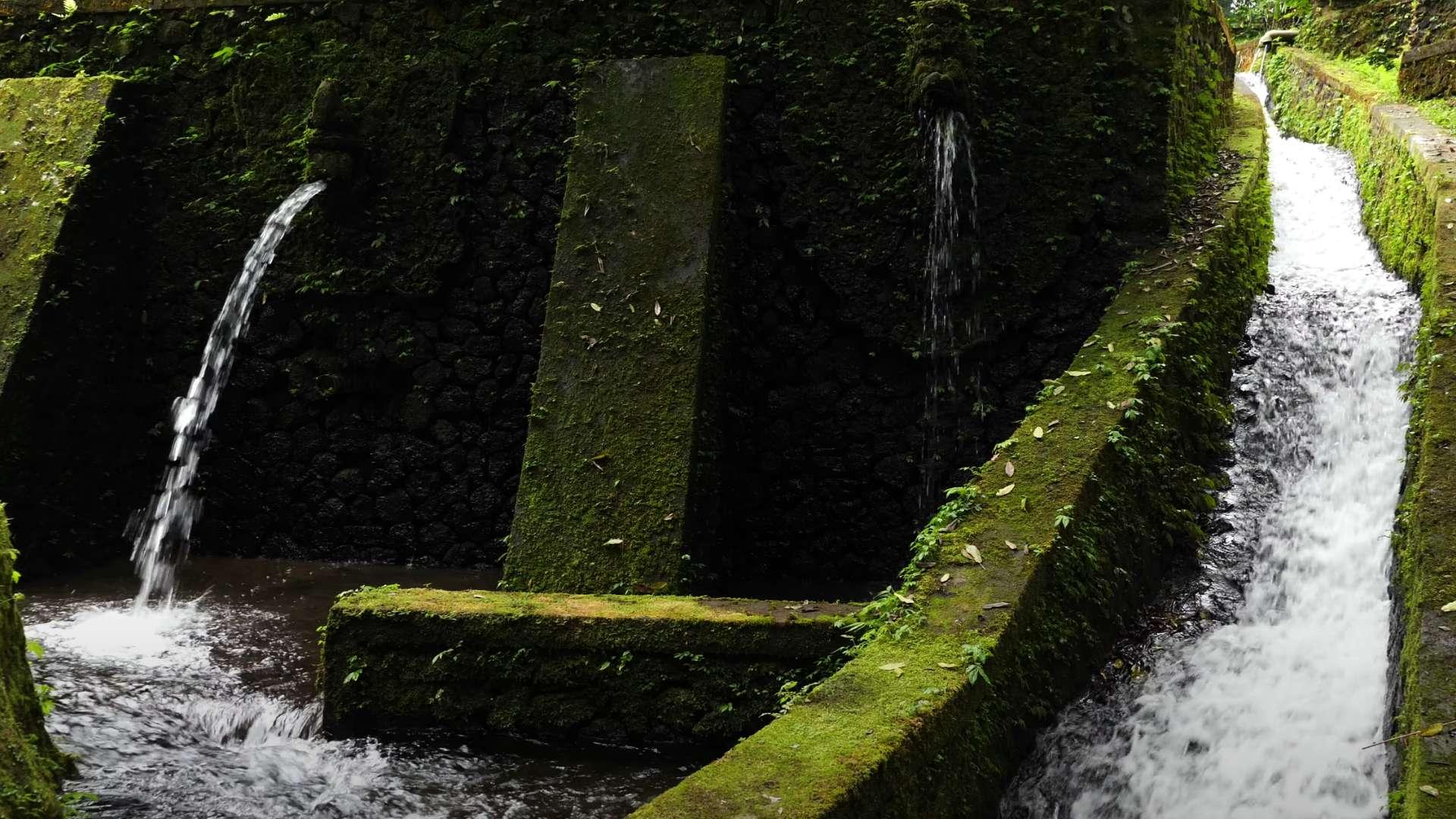 ガムランの響きと聖なる泉【RELAX WORLD】