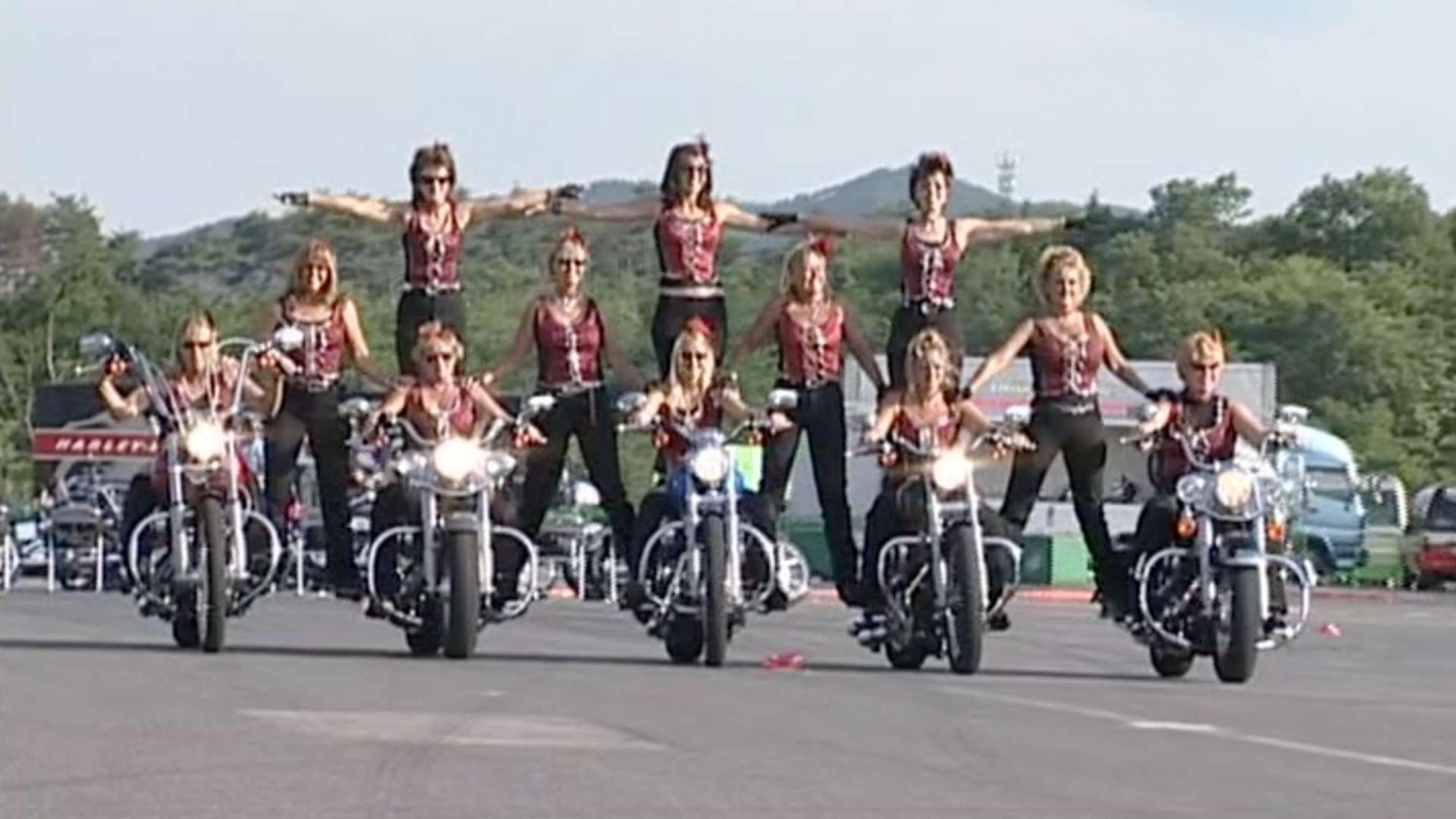 富士ブルースカイヘブン2005レポート〈X-TREME スーパーテクニック〉[2004]